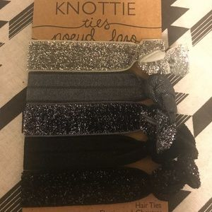 Glittery and normal set of 5 hair ties